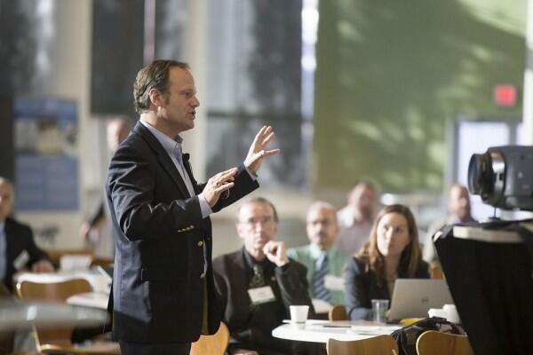 Biar Memikat Hati Audiens, Terapkan 5 Trik Ini Saat Tampil Presentasi