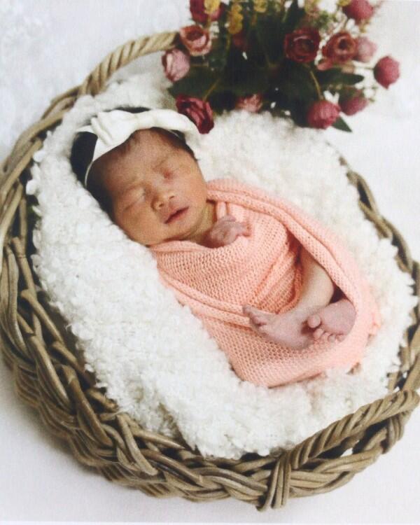 10 Potret Unyu Elona, Putri Michael Alinskie & Sherly Fausta