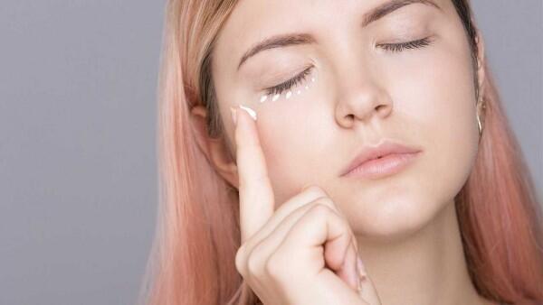 Perhatikan 5 Hal Ini Agar Eyeliner Tak Mudah Luntur!