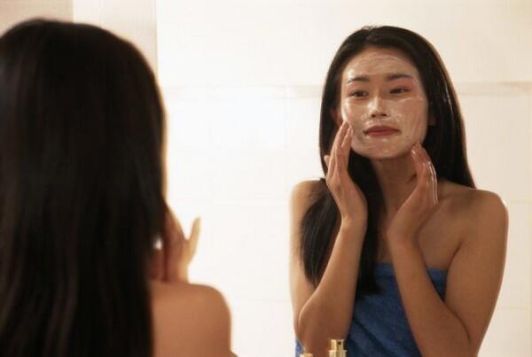 Skincare 101: Hydrating Vs Moisturizing, Apa Sih Perbedaannya?