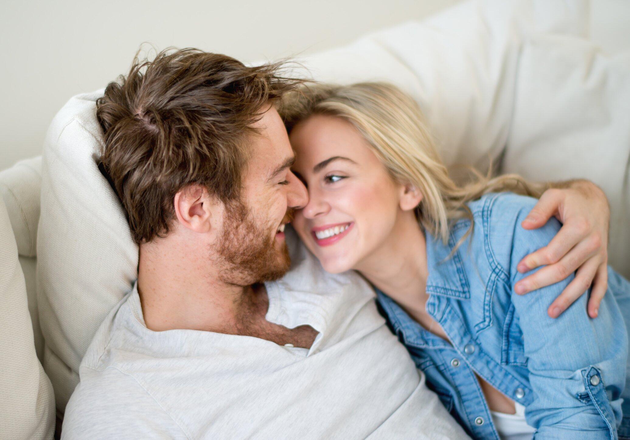 Stop Lihat Bokep! Ajaran Tantra Akan Bikin Hubunganmu Makin Bahagia