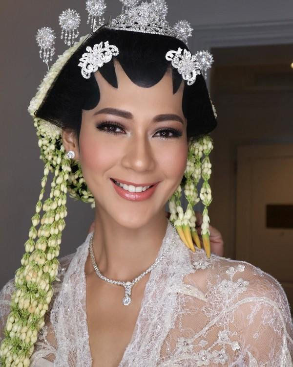 Sah! 10 Momen Haru Akad Pernikahan Baim Wong dan Paula Verhoeven