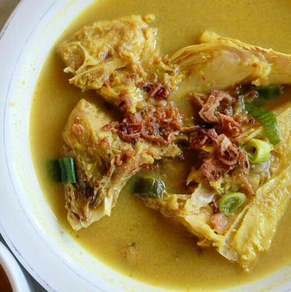 Cari Makan di Makassar, 5 Hidangan Ini Wajib Masuk Perutmu!