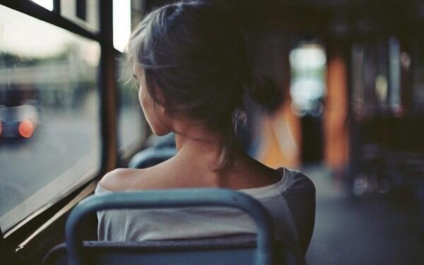 Girls, Lakukan 8 Hal Ini Jika Kamu Akan Travelling Sendirian