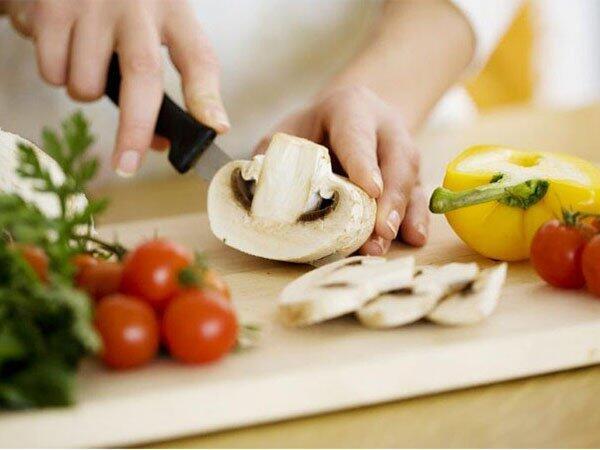 Aduh, 7 Kesalahan Ini Sering Kita Lakukan Saat Masak Sayur!