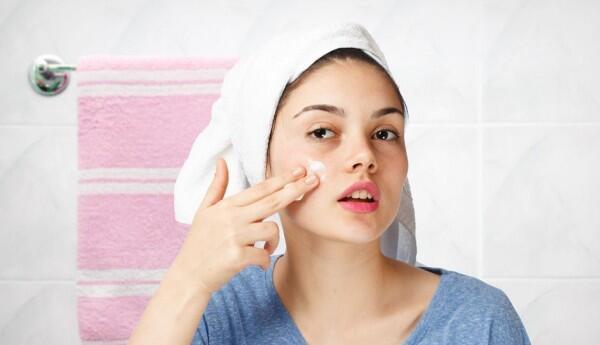 7 Cara Makeup Natural yang Mudah Diaplikasikan Para Pemula