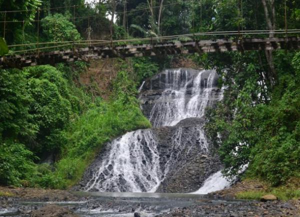 8 Air Terjun Paling Seger di Sulawesi Selatan, Liburan Makin Adem Deh!