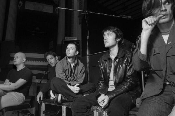 9 Lagu Terbaik Radiohead yang Cocok untuk Nostalgia Musik 90an