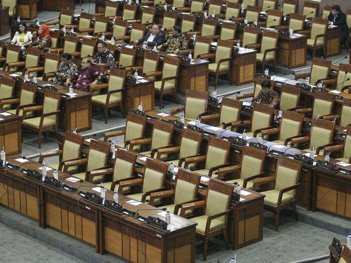 Jelang akhir masa jabatan, kinerja DPR tetap jeblok