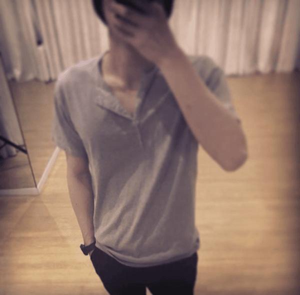 Keren Abis, Ini 12 Kompilasi Mirror Selfie ala Sehun EXO