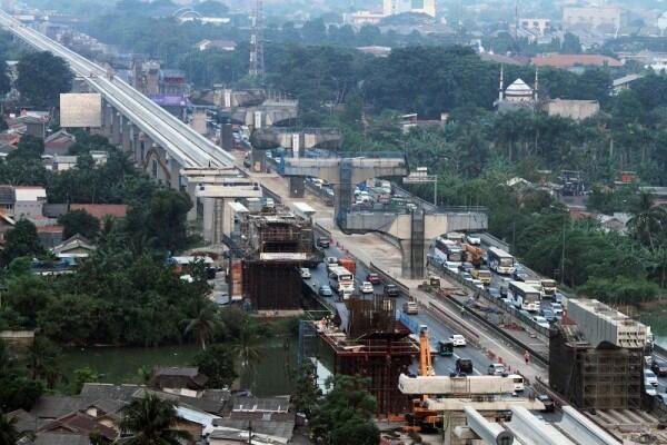 Mulai Senin, Truk di Atas 8 Ton Dilarang Melintasi Jalan KH Noor Alie