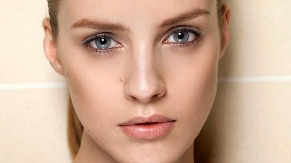 5 Efek Buruk yang Akan Didapat Saat Bersihkan Wajah dengan Tisu Basah!