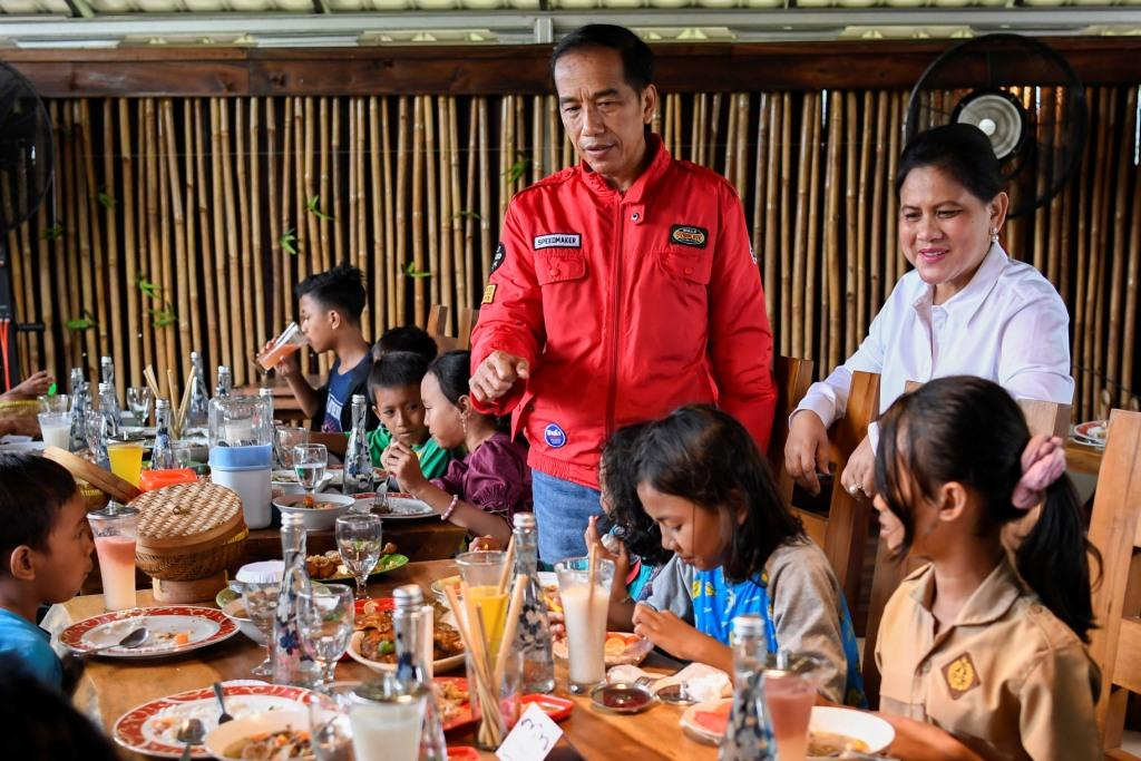 Jokowi Diberi Gelar Rajo Balaq di Palembang