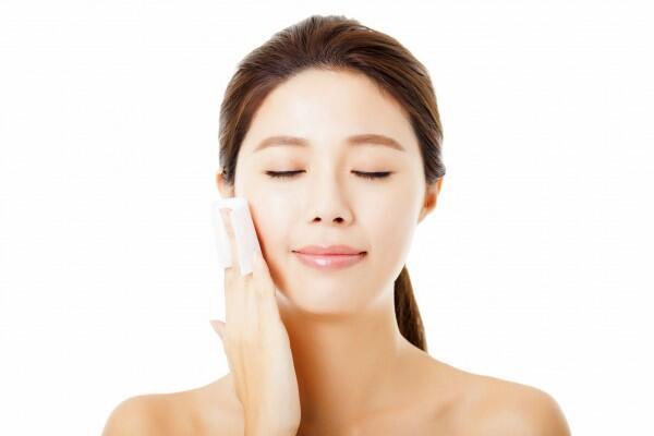 Skincare 101: AHA vs. BHA, Apa Perbedaannya?