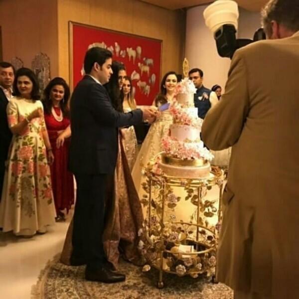 10 Gaya Mewah Isha Ambani, Putri Crazy Rich Asian di Dunia Nyata