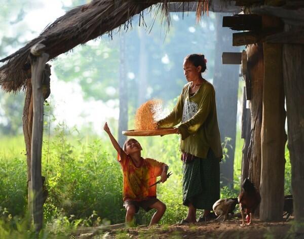 20 Foto Menyentuh Ini Bukti Kasih Sayang Seorang Ibu Begitu Besar