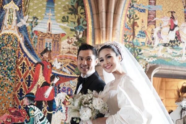 10 Pasangan Artis Jarang Umbar Masa Pacaran tapi Berakhir di Pelaminan