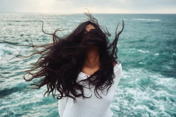 5 Perawatan Rambut Aneh yang Dianggap Lazim pada Zamannya