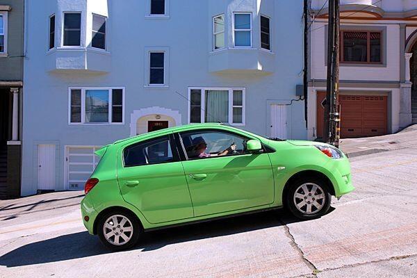 Catat! 5 Hal Ini Haram Dilakukan pada Mobil Manual