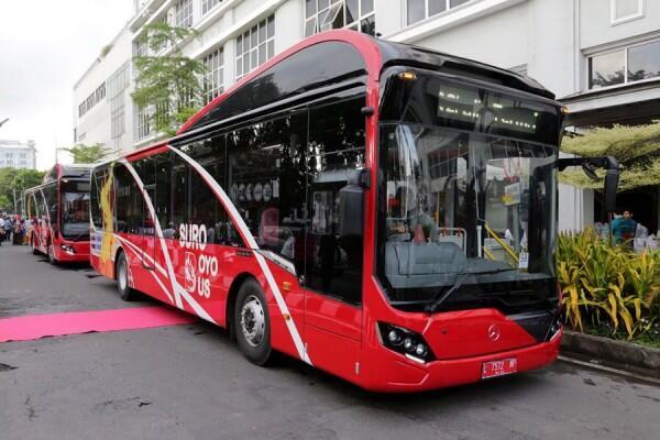 [OPINI] Mencintai Lingkungan Sekaligus Berhemat dengan Suroboyo Bus