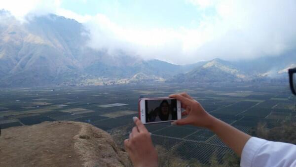 Jokowi Umumkan Jalur Pendakian Gunung Rinjani Sudah Dibuka
