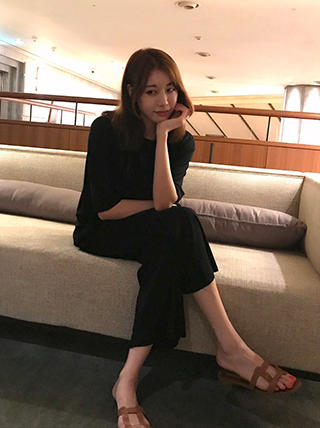 "OMG! Artis Kpop Cantik Ini Dijebak Agar Beradegan Panas ""Buka-Bukaan"" Di Dalam Film"