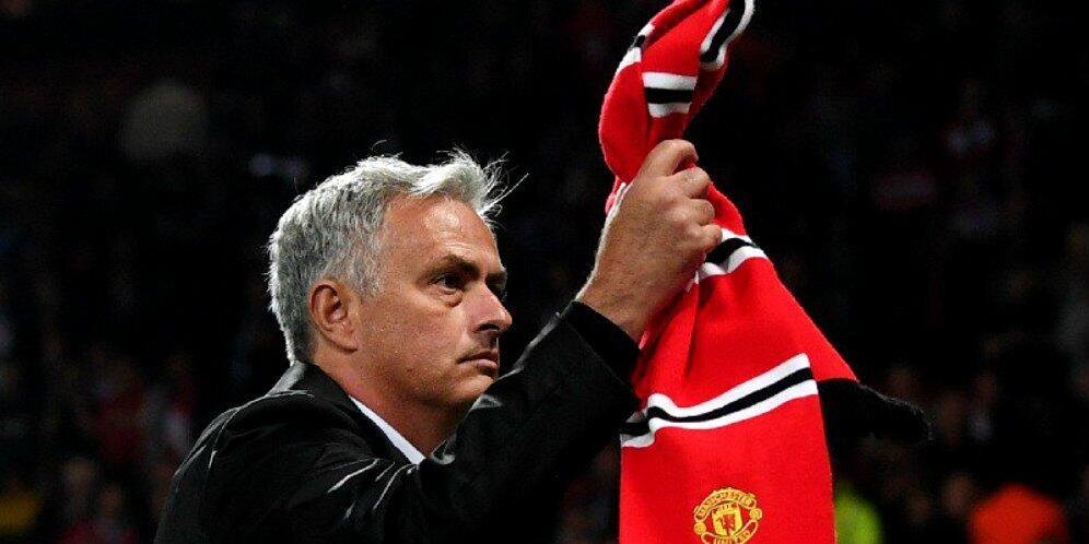 MU Terpuruk Karena Pemain, Bukan Jose Mourinho