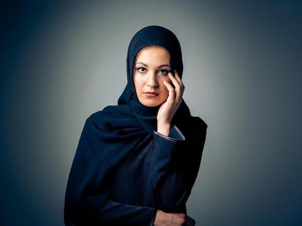 Model Lepas Hijab di Iklan Jaket Jadi Kontroversi