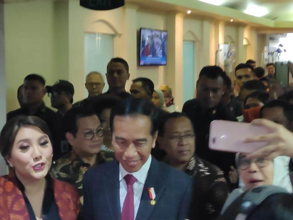 Jokowi Disambut Meriah di Metro TV