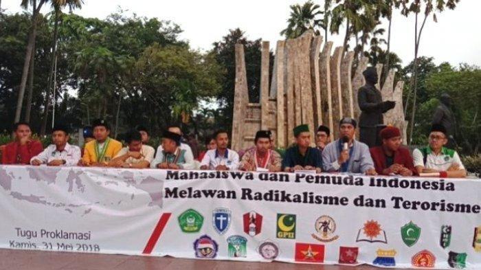 BIN Serahkan Data Mahasiswa dan 7 PTN yang Disusupi Paham Radikal ke Rektor