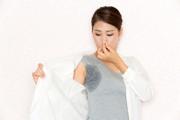 Serupa Tapi Tak Sama, Ini Lho 5 Beda Deodorant vs. Antiperspirant!