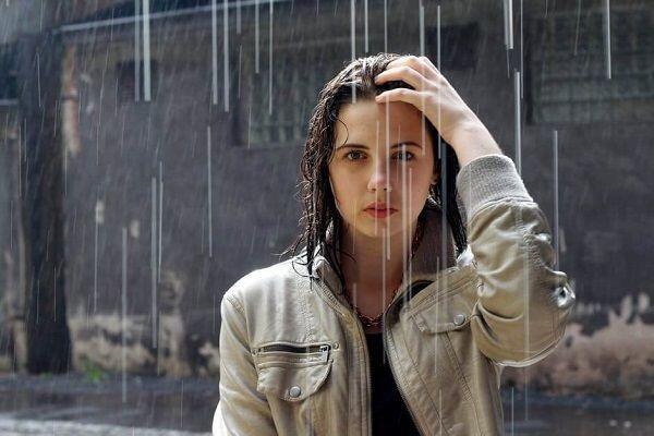 Ini 6 Tips Tampil Memesona Meskipun Sedang Musim Hujan, Girls
