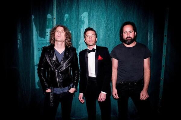 6 Lagu Hits The Killers yang Bikin Teringat Masa-Masa Tanpa Beban