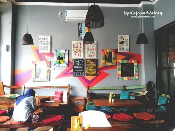 7 Cafe Tempat Nongkrong Asik Buat Mahasiswa di Makassar, Murah & Kece!