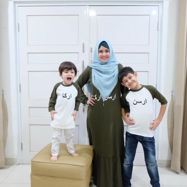 10 Artis Indonesia yang Bercerai Saat Usia Anaknya Masih Kecil