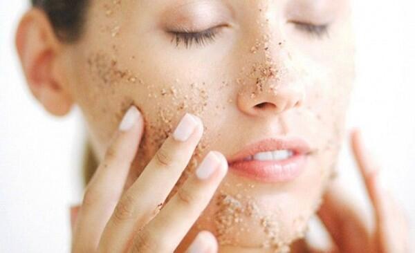 5 Tips Hilangkan Area Hitam di Hidung Buat Kamu yang Berkacamata