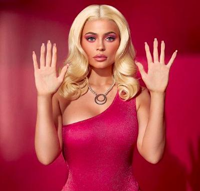 Ketika Kylie Jenner 'Disulap' Jadi Barbie Tajir