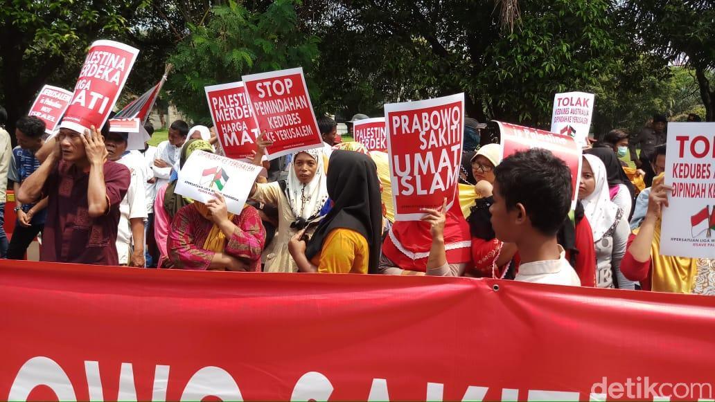 Protes Komentar Prabowo Subianto, Massa PLMI Demo di Kedubes Australia