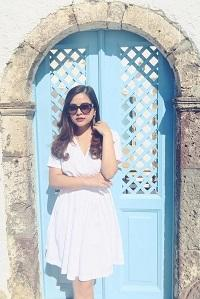 Inspirasi Fahion Trendy ala Aktris Cantik