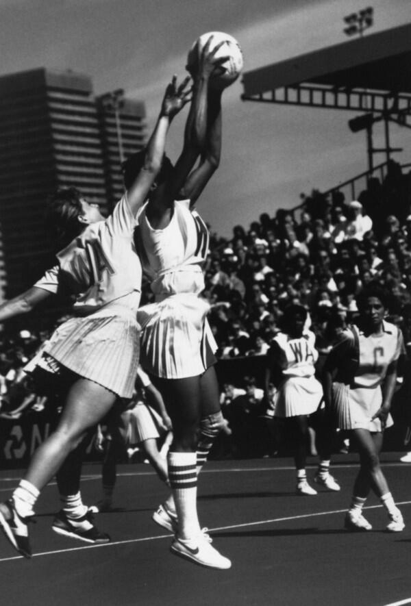 Evolusi Seragam Atlet Netball dari Era ke Era
