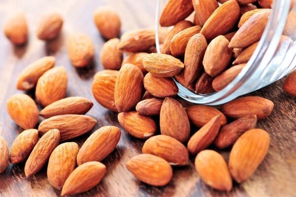 7 Makanan Ini Ternyata Lebih Sehat kalau Dimakan Mentah, Suka Mana?