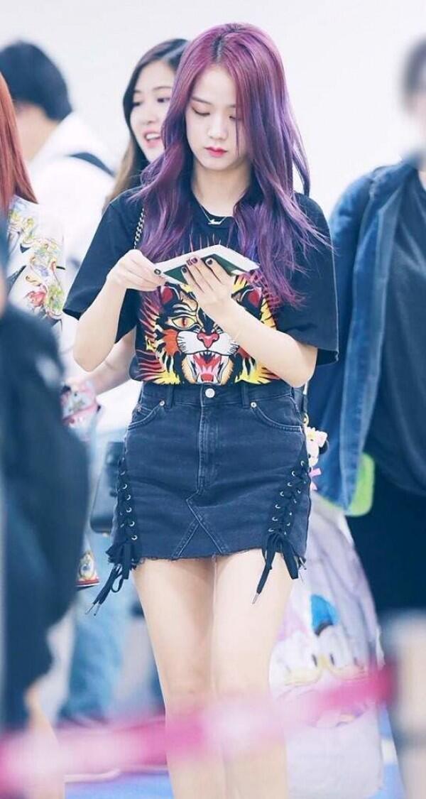 Dari Swag Sampe Girly, Ini Outfit Jisoo BLACKPINK yang Chic Banget!