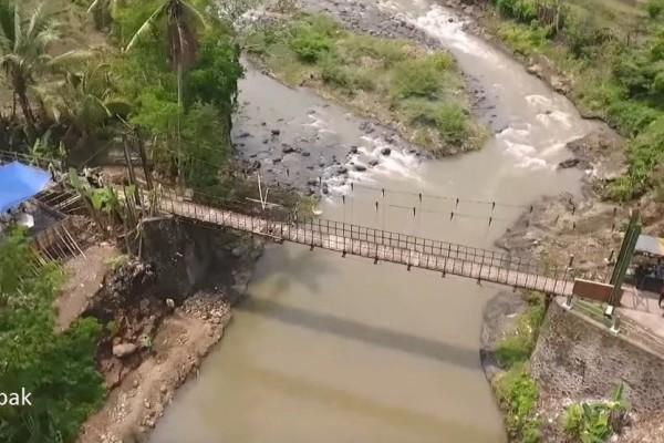 Jembatan Gantung Jadi Jantung Sekaligus Objek Wisata Andalan Desa
