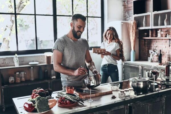 Biar Gak Iri dengan Pasangan Lain, Yuk Coba Lakukan 5 Hal Ini
