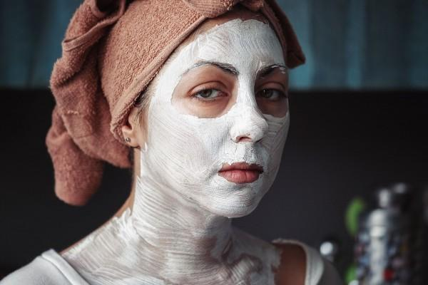 6 Hal yang Gak Boleh Dilakukan di Wajahmu Menurut Para Dermatologist
