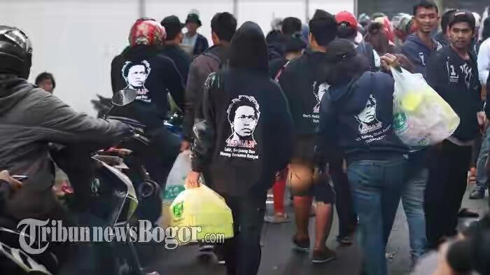 Usai Dilantik, Ribuan Relawan Jokowi Pulang Sambil Bawa Bingkisan