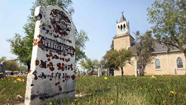 10 Gereja Berhantu dari Belahan Dunia