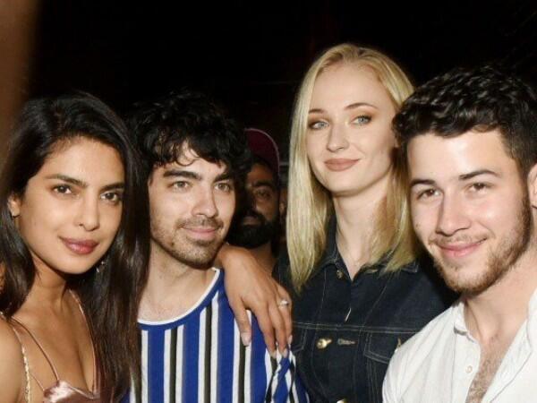 Jonas Brothers Tiba di India, 12 Foto Pesta Prewed Priyanka & Nick