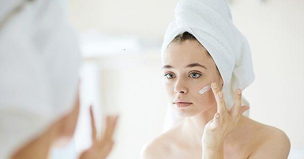 Mau Kulit Lembap? 5 Kandungan Ini Wajib Ada di Skincare Milikmu