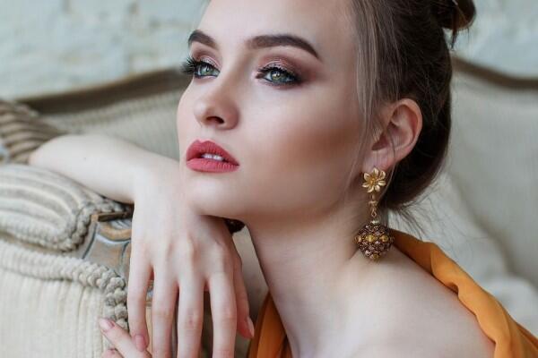 Cocok Jadi Beauty Vlogger, Zodiak Cewek Ini Jago Poles Wajah